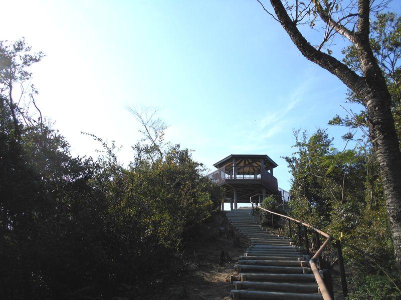 あわじ石の寝屋緑地の展望台