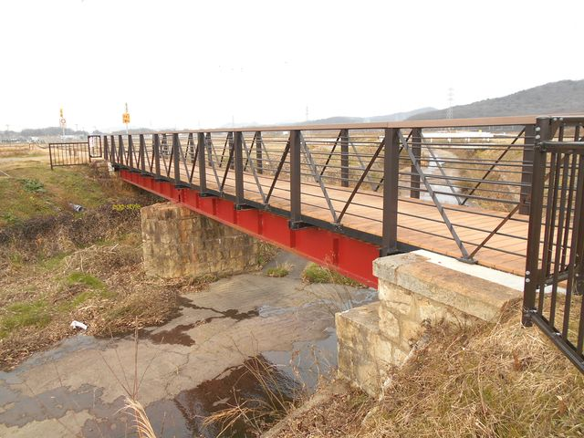 別所ゆめ街道 遊歩道 残る鉄道橋