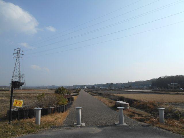別所ゆめ街道 遊歩道 下石野駅跡から振り返る