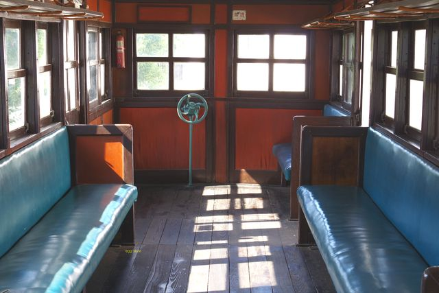 別府鉄道静態保存車両:ハフ5の車内