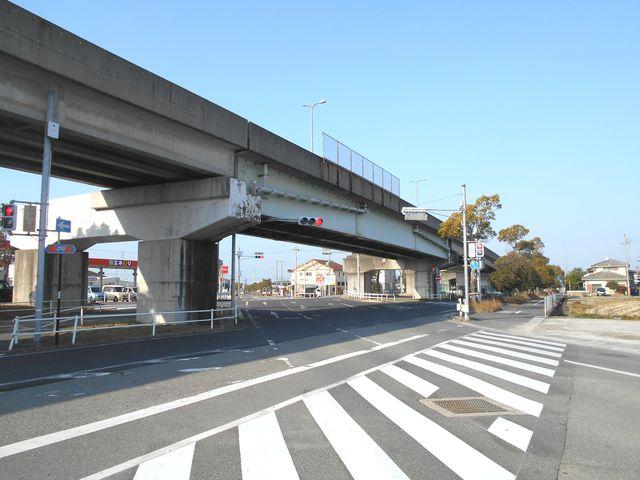 別府鉄道廃線跡を歩く:国道250線との交差