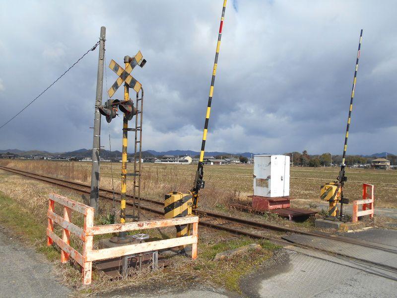北条鉄道の骨董物の踏切