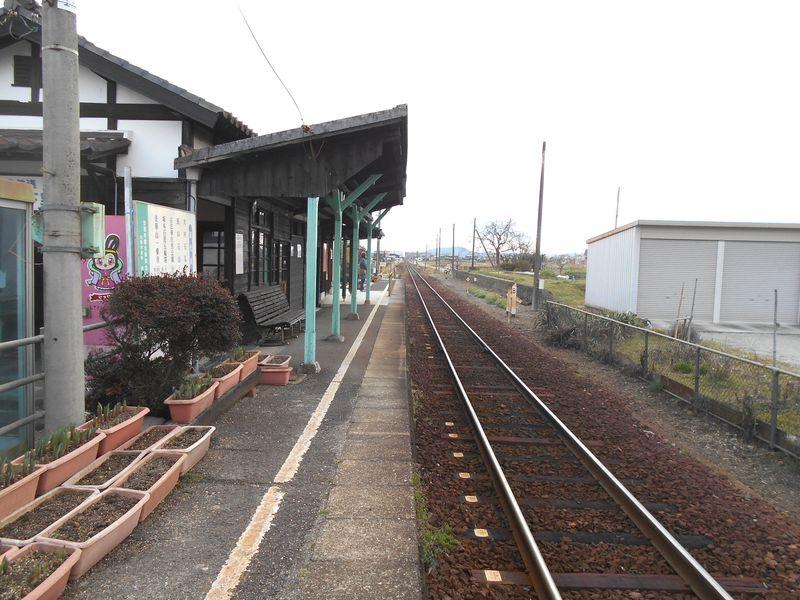 北条鉄道 播磨下里駅 大正時代の駅舎と古い客車ホーム