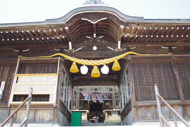 生石神社 この奥に浮石が存在する