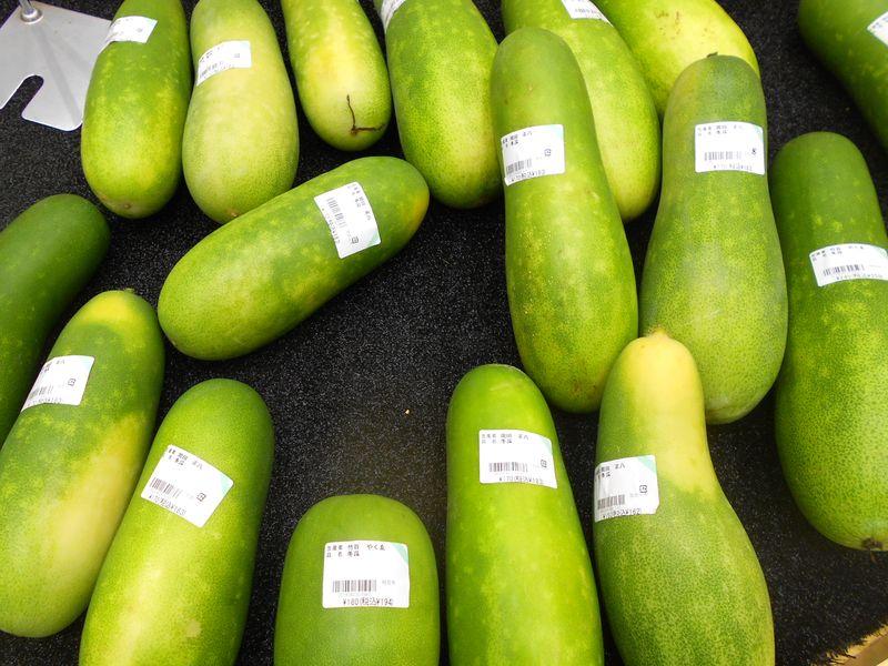 瓜 緑色の瓜は残暑の清涼剤