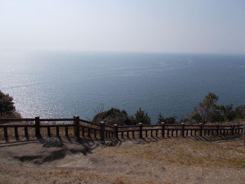 小赤壁からの播磨灘の眺めは、とにかく広々としている