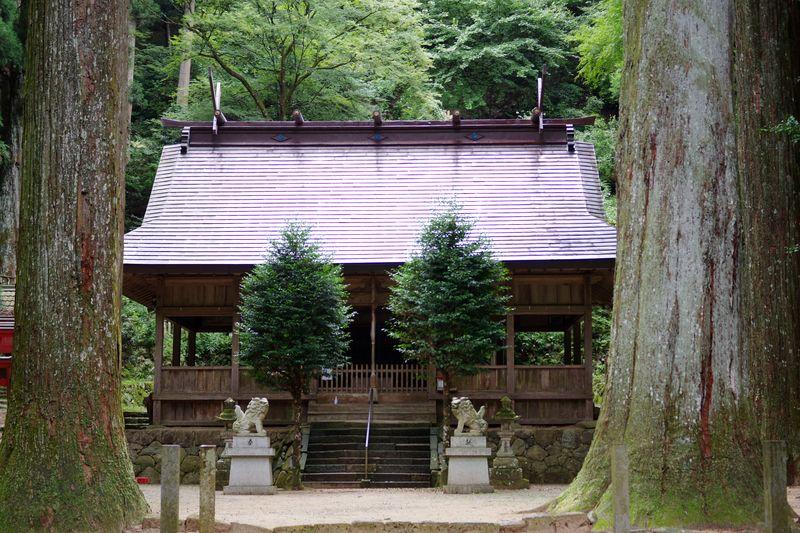 青玉神社のお社
