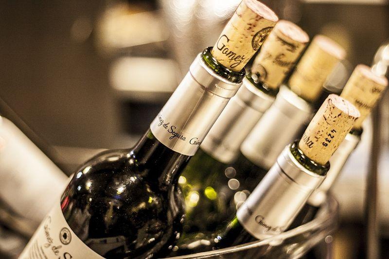 byPixabay bottles-of-wine-3015285